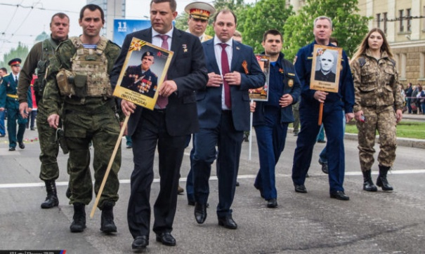 Житель Донецка: «Победа наступит, когда ВСУ выгонят боевиков из города. А сегодня не 9 мая, а день позора!