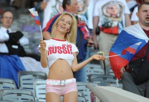 Самая красивая фанатка футбола с России оказалась известной порнозвездой