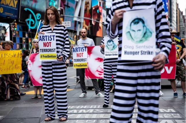 #SaveOlegSentsov: акции в поддержку украинского режиссера состоялись в 78 городах мира