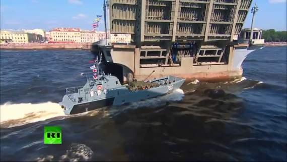 """Россия не устает удивлять """"мощью"""" своей военщины (видео)"""
