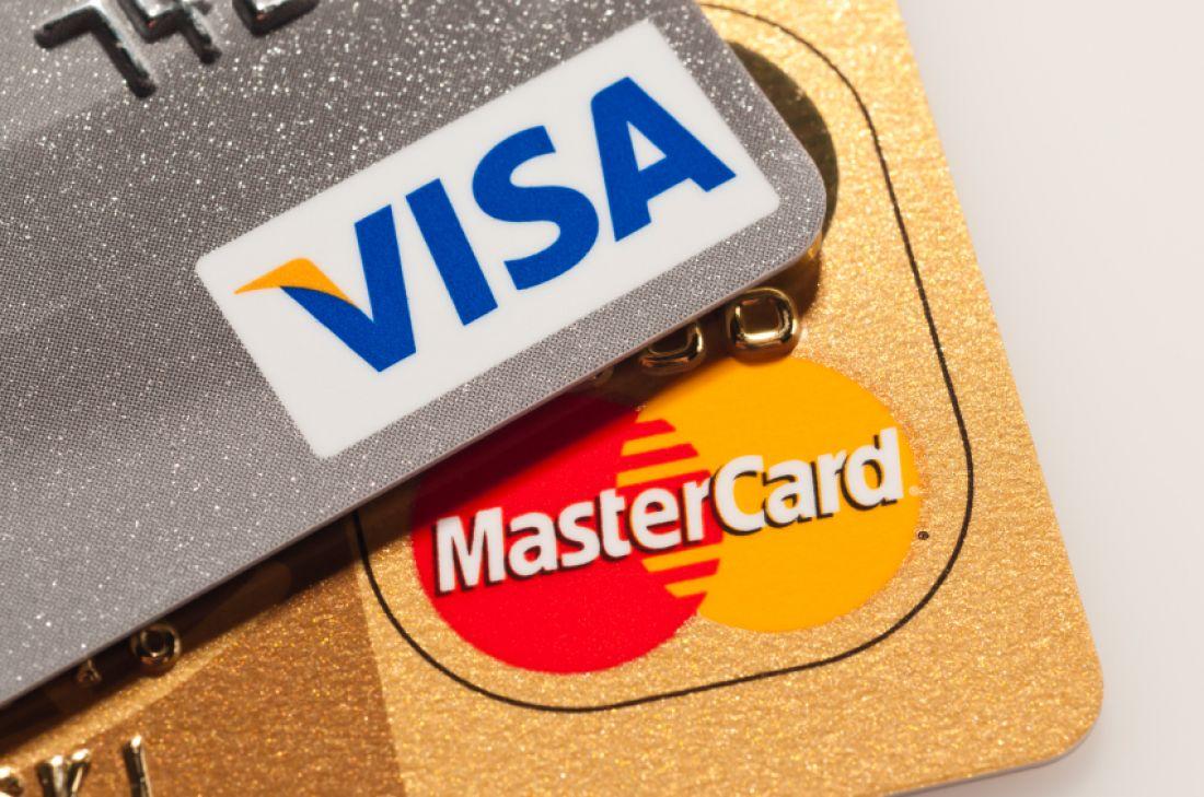 Камни с неба: Крым остался без Visa и MasterCard