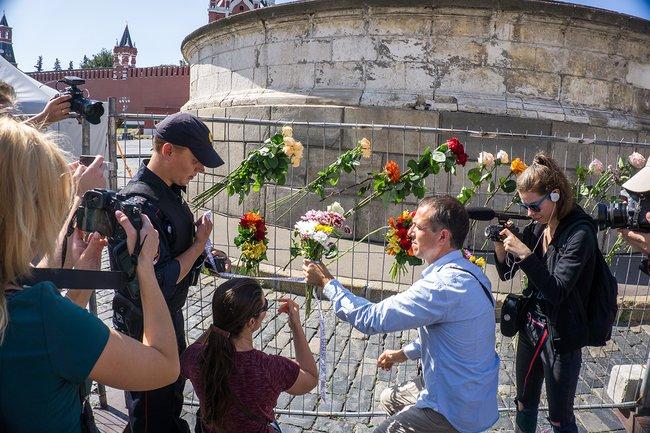 Мітинг за Сенцова жорстко розігнали пси Путіна