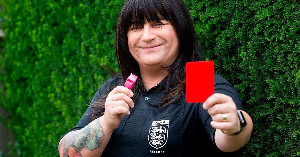 Футболист вырубил судью во время матча из-за красной карточки