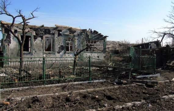 Боевики под видом обстрелов грабят и уничтожают дома на Донбассе