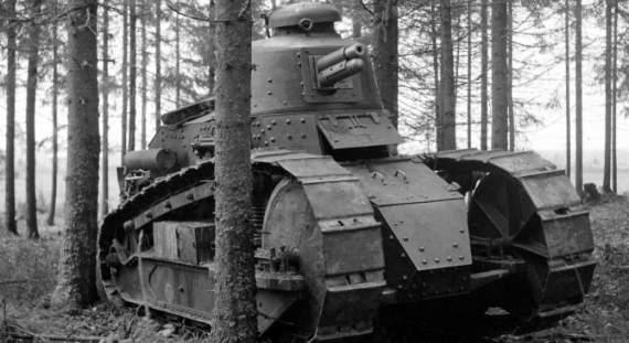 Польские«Рено» против конницы Будённого икрасных бронепоездов
