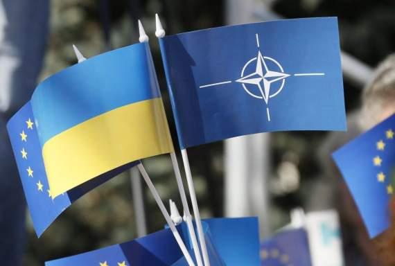 Эксперт рассказал о последствии закрепления в Конституции курса на НАТО и ЕС
