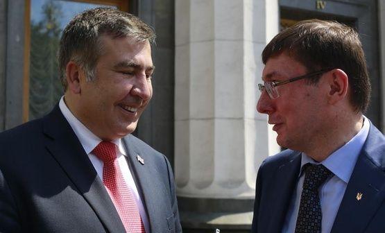 Вынесите его из кабинета: Саакашвили набросился на Луценко из-за наглого наступления на свободу слова