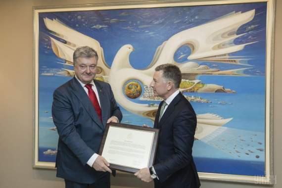 Волкер вручил президенту Украины копию декларации о непризнании аннексии Крыма