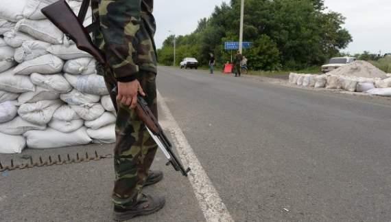 Боевики Донбасса закрыли для транспорта важную дорогу