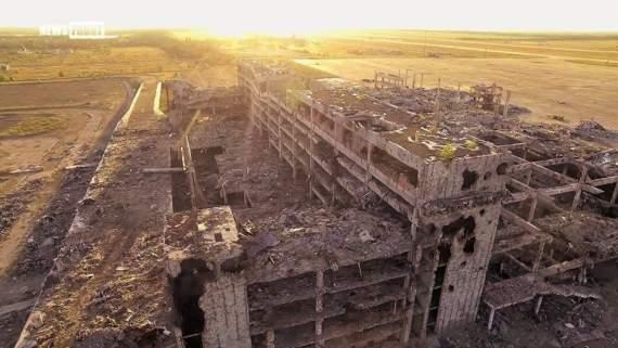 """""""Киборг"""" показал, как выглядит Донецкий аэропорт сейчас. ФОТО"""
