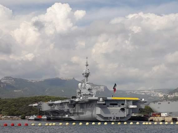 Авианосец Charles de Gaulle ВМС Франции вышел в море по окончании среднего ремонта и модернизации