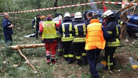 В сети показали момент падения вертолета в Киеве. ВИДЕО