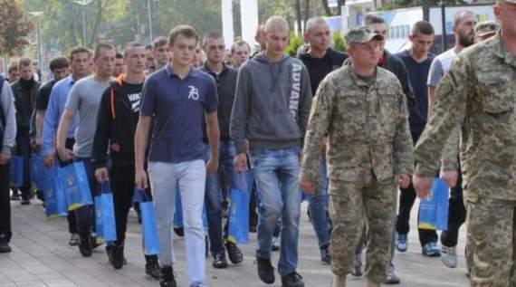 Новые правила призыва 2018: кого заберут в армию осенью