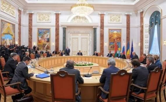 В Администрации президента поддерживают перенос переговоров по Донбассу из Минска в другое место