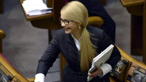 Тимошенко хочет лишать паспортов украинцев, которые едут на заработки