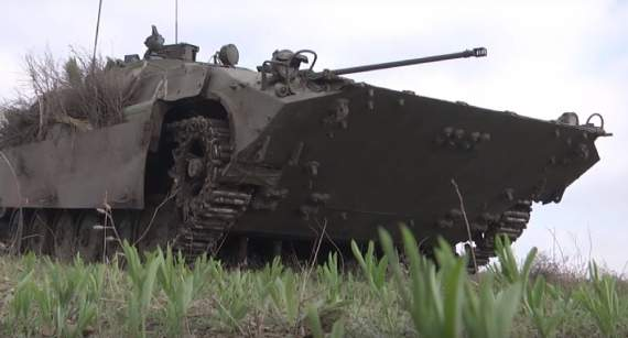 В районе Мариуполя интенсивный бой: боевики бьют из БМП