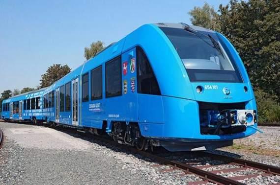 У Німеччині почав курсувати перший у світі потяг на водневому паливі