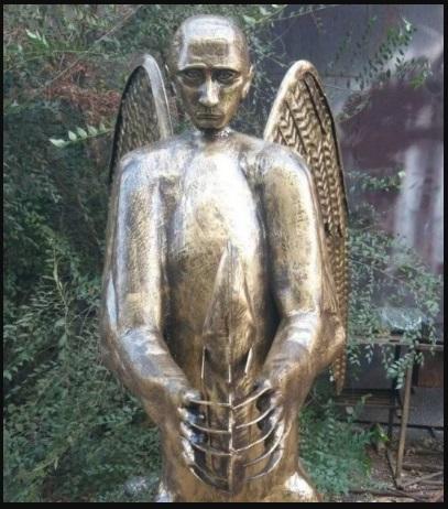 Кто ж его посадит – он же памятник. В Астрахани установили очередной памятник Путину-зверомутанту.