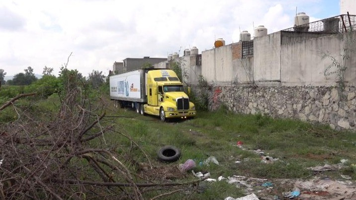 Морг на колесах. У Мексиці знайшли 157 трупів у вантажівці