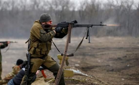 """Боевики """"ДНР"""" атаковали укрепления ВСУ возле Марьинки"""