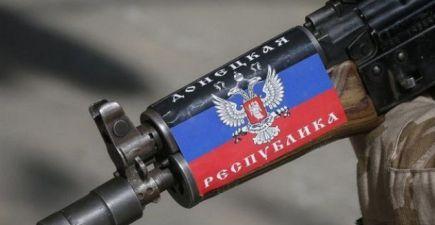 Террористы «ДНР» с автоматами стоят на всех ключевых перекрестках в Донецке