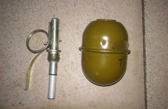 Боевик «ЛНР» во время пьянки взорвал своих «сослуживцев» гранатой