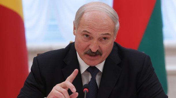"""Слухняний хлопчик: Лукашенко затягнув """"українську пісню"""" Путіна"""