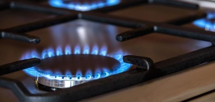 Уряд раптово передумав підвищувати ціну на газ. Що сталося