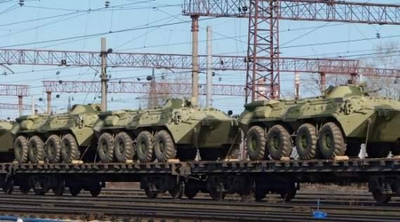 РФ перебрасывает к украинской границе тяжелую военную технику. ФОТО
