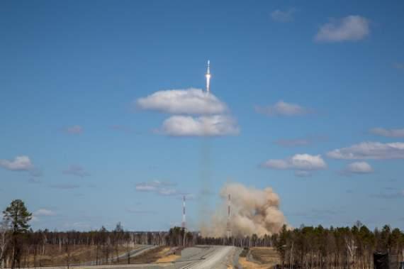 """При запуске российского """"Союза-10"""" произошла авария, космонавтов экстренно возвращают на землю"""