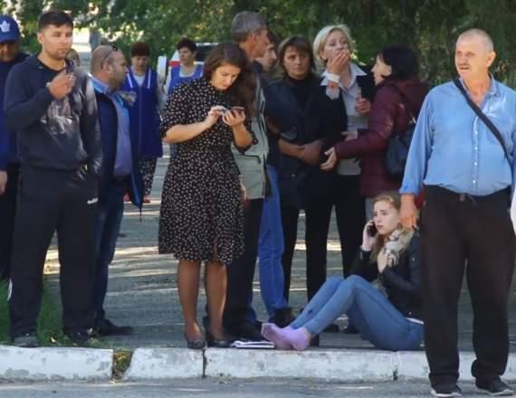 На полу валялись трупы: студент Керченского колледжа рассказал о стрельбе и взрыве. ВИДЕО