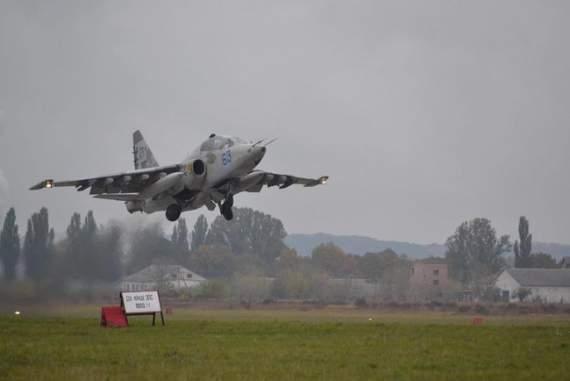 Президент посетил совместные с НАТО авиационные учения
