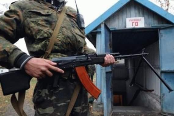 """Боевики """"ДНР"""" бросили """"на подвал"""" девушку"""