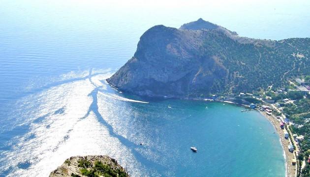 Бог шельму метит: у берегов оккупированного Крыма затонуло российское судно
