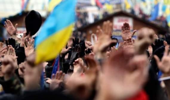 Українське суспільство: здаватися неможливо вижити
