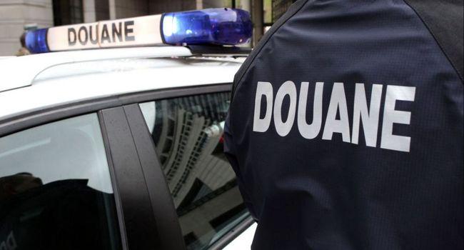 Во Франции задержали грузовик украинской регистрации с 650 кг кокаина