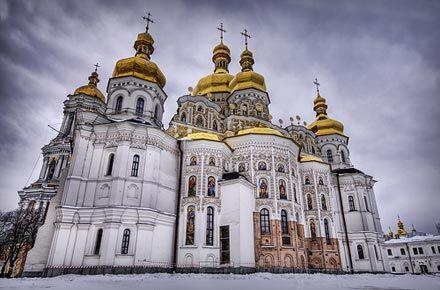 Як МП за допомогою КПСС, КДБ-ФСБ захопив Лавру і монастирі (текст за 2010 р.)
