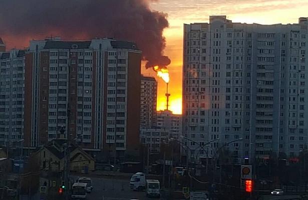 Ночью полыхало управление Газпрома в Челябинске, утром – пожар на НПЗ Газпромнефти в Москве