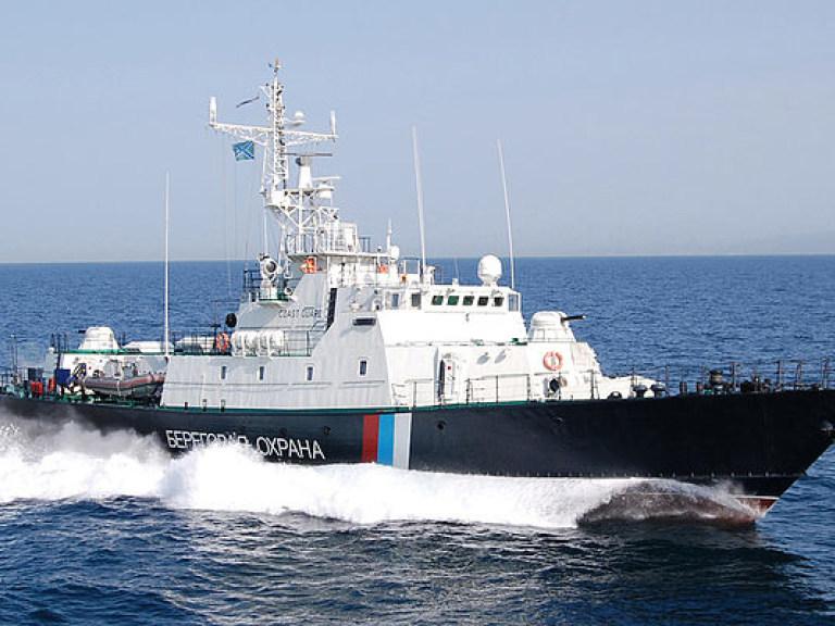 Пограничный корабль оккупантов атаковал рейдовый буксир ВМСУ