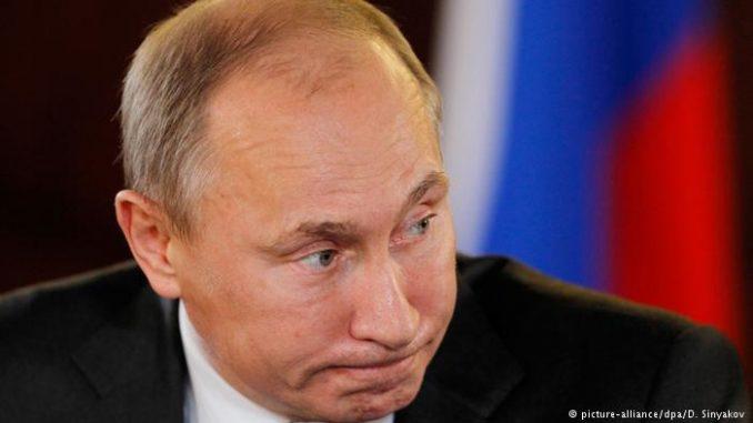 Стала известна реакция Путина на введение военного положения в Украине