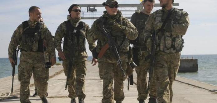 У Запорізькій області цивільним заборонять носити військову форму