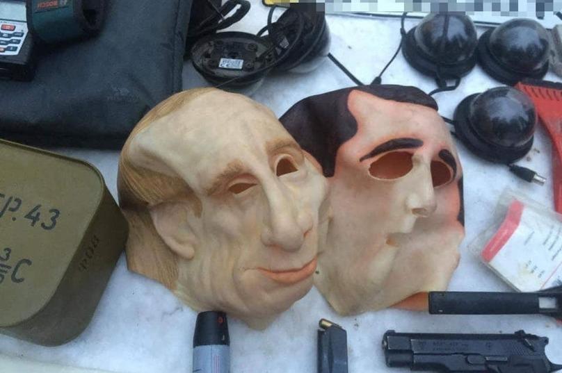 Під Києвом бандити в масках Путіна грабували іноземців