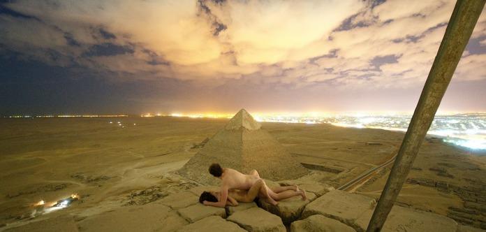 Туристи з Данії зайнялися сексом на вершині піраміди Хеопса (18+)