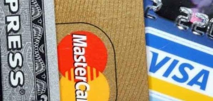 Украинцев просят быть внимательными у банкоматов – появился новый вид «развода»
