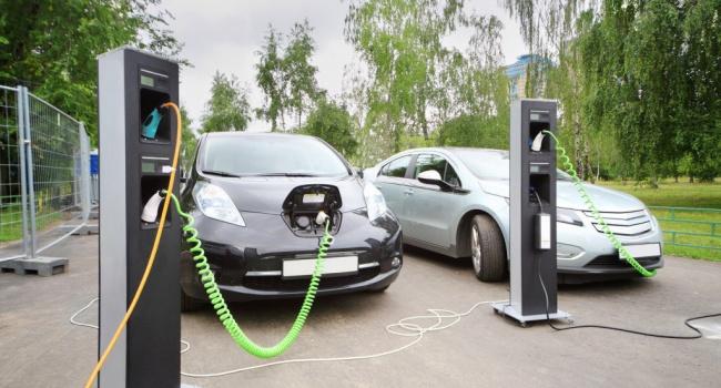 Каждый месяц украинцы покупают 650 электромобилей