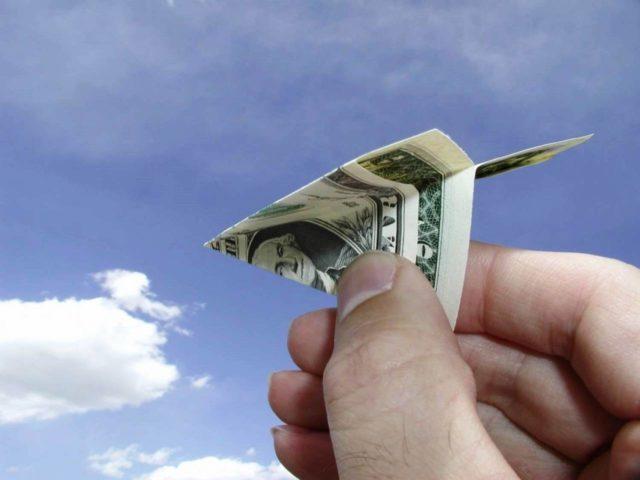 Откуда украинцы больше всего перечисляют деньги на родину: опубликован список