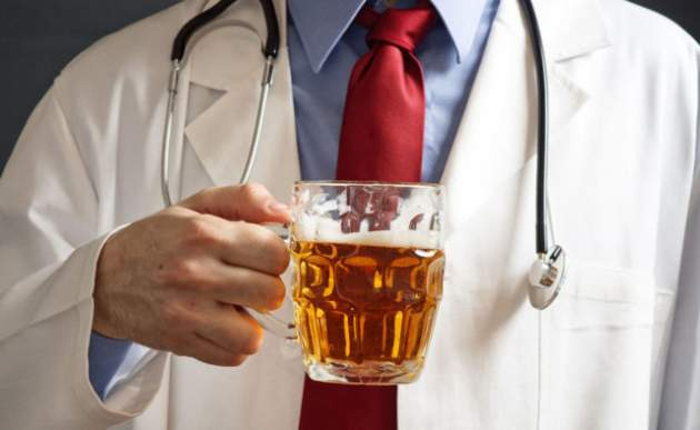 Пиво во время похмелья: что говорят врачи