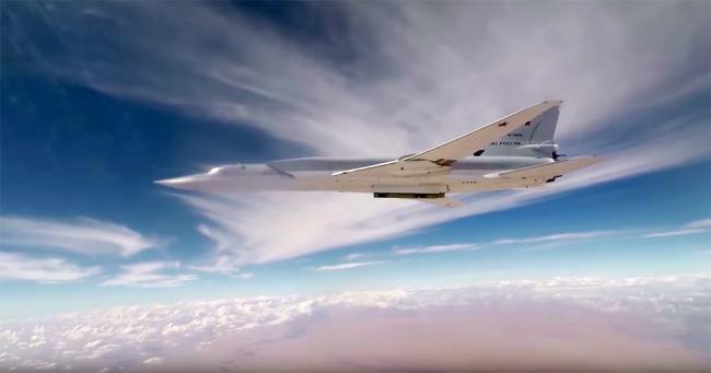 При крушении российский бомбардировщик Ту-22М3 раскололся надвое. ВИДЕО