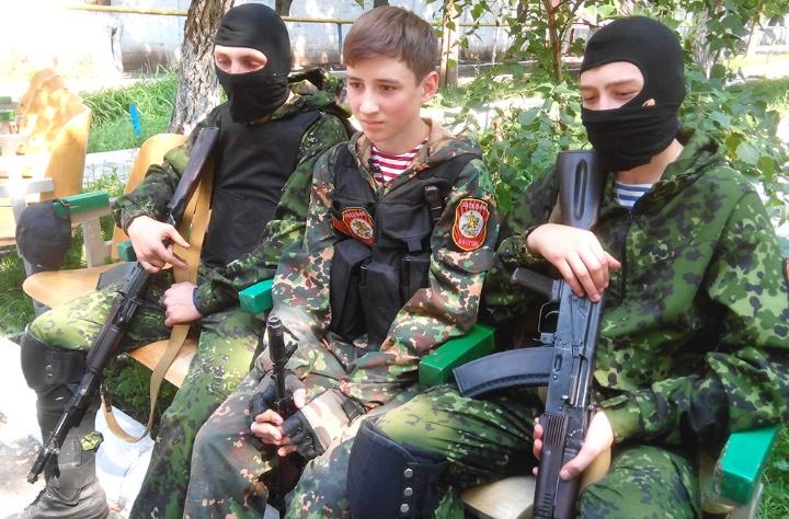 Скрепы русского мира: чему обучают детей оккупированного Донецка