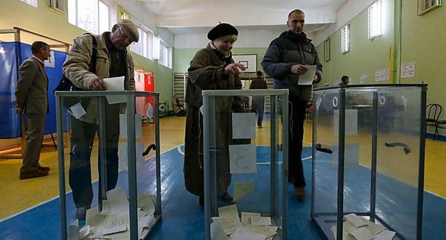 Совет политолога: прежде, чем ставить галочку в бюллетене, вспомните февраль 2014-го
